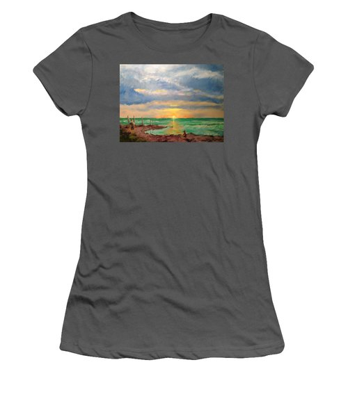 Beach End Of Day Women's T-Shirt (Athletic Fit)