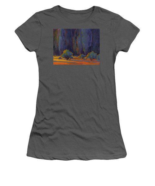 Beckoning Women's T-Shirt (Athletic Fit)