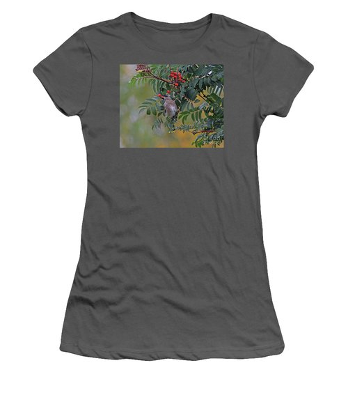 Berry Picking Women's T-Shirt (Athletic Fit)