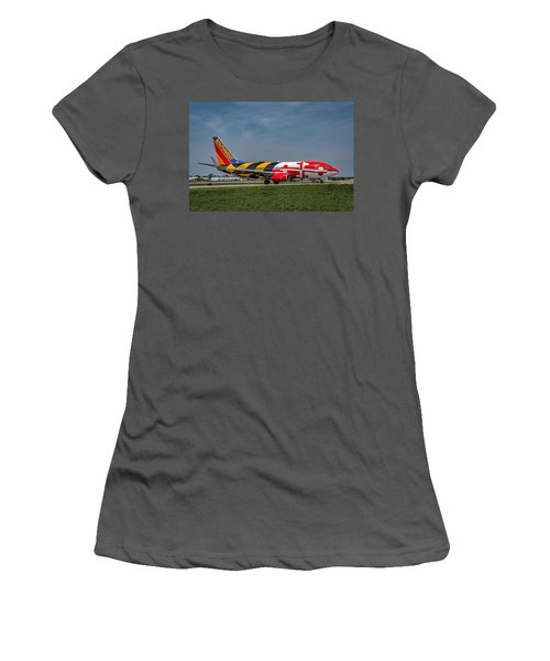 Boeing 737 Maryland Women's T-Shirt (Athletic Fit)