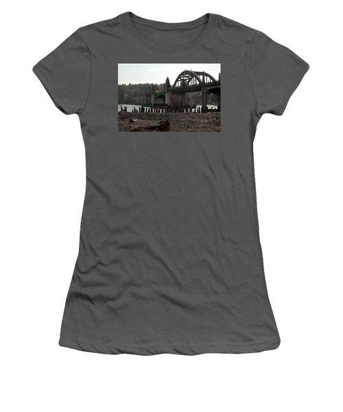 Bridge Deco Women's T-Shirt (Athletic Fit)