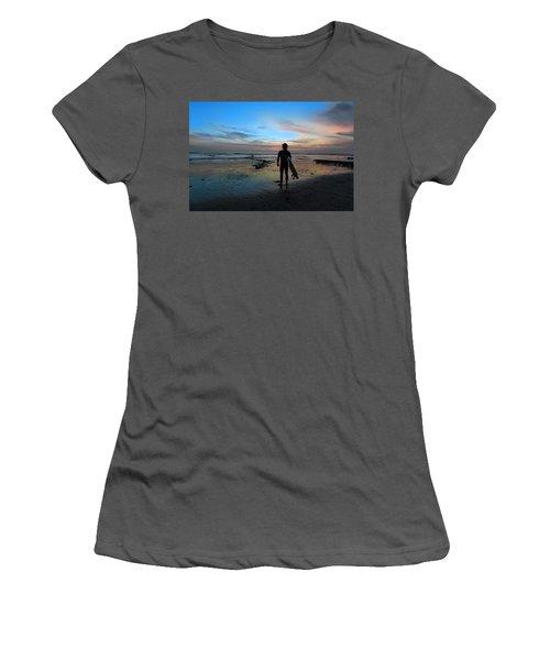 California Surfer Women's T-Shirt (Athletic Fit)