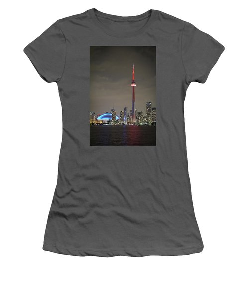 Toronto Skyline Women's T-Shirt (Athletic Fit)