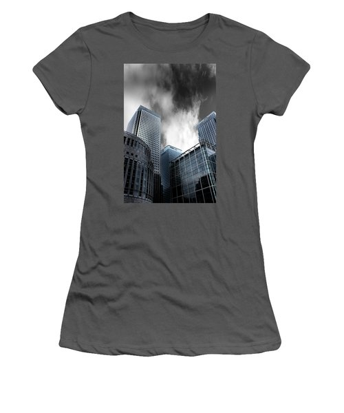 Canary Wharf Women's T-Shirt (Athletic Fit)