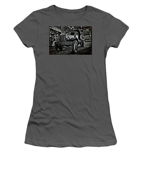 Chain Drive Sterling Women's T-Shirt (Athletic Fit)
