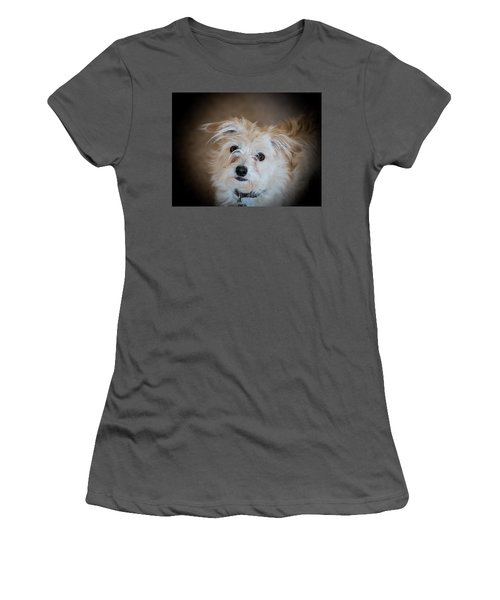 Chica On The Alert Women's T-Shirt (Athletic Fit)