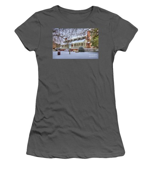 Christina Campbell Tavern Colonial Williamsburg Women's T-Shirt (Athletic Fit)