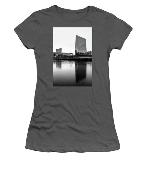 Cira Centre - Philadelphia Urban Photography Women's T-Shirt (Junior Cut) by David Sutton