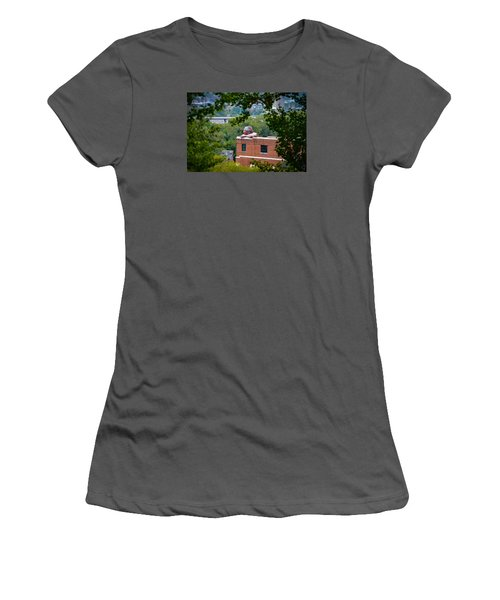 Connecticut Women's T-Shirt (Athletic Fit)