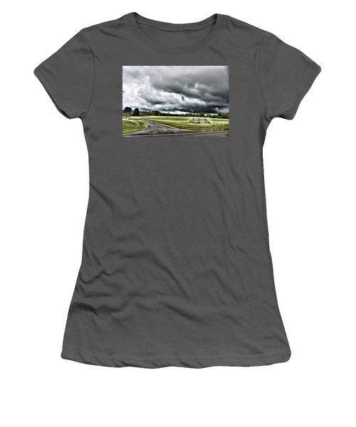 Country Road L Women's T-Shirt (Athletic Fit)