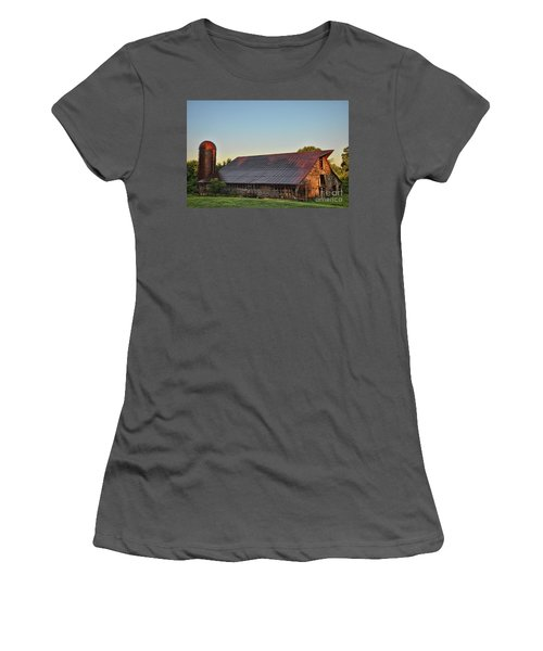 Days Of Thunder Barn Women's T-Shirt (Athletic Fit)