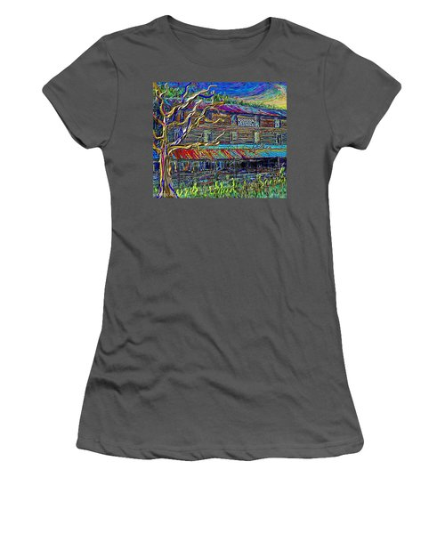 Dodds Creek Mill, ,floyd Virginia Women's T-Shirt (Athletic Fit)