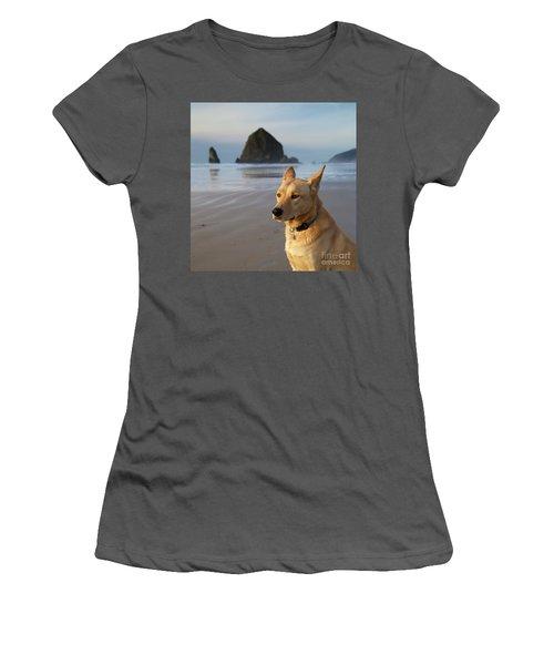 Dog Portrait @ Cannon Beach Women's T-Shirt (Athletic Fit)