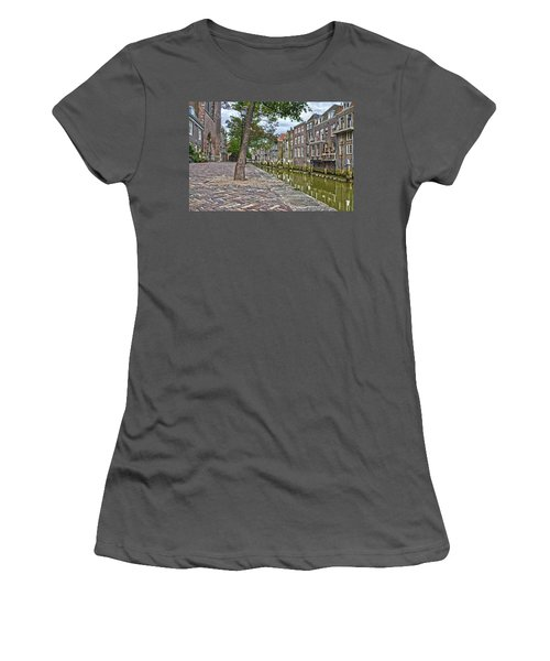 Dordrecht Behind The Church Women's T-Shirt (Athletic Fit)
