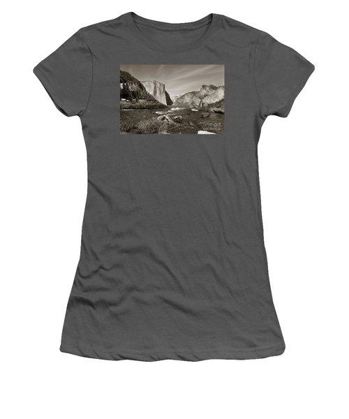 El Capitan Women's T-Shirt (Junior Cut) by Joseph G Holland