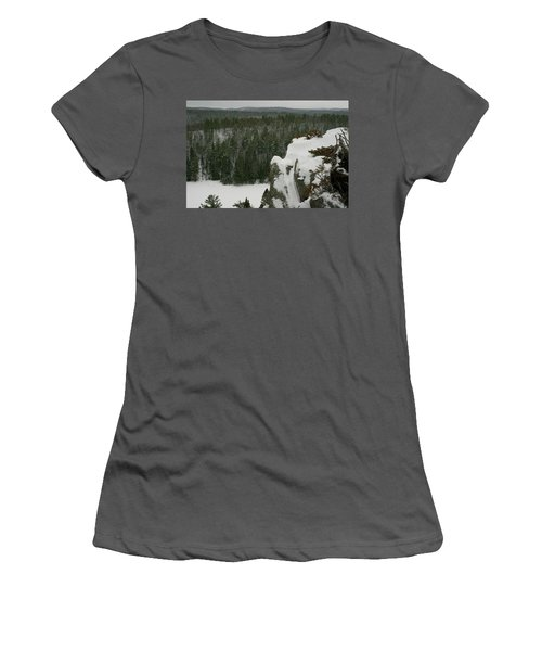 El Nido Women's T-Shirt (Athletic Fit)