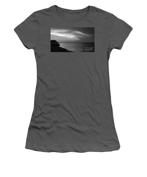 Ending The Day On Mobile Bay Women's T-Shirt (Athletic Fit)