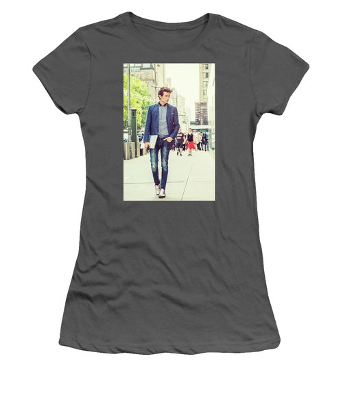 European College Student Studying In New York Women's T-Shirt (Athletic Fit)