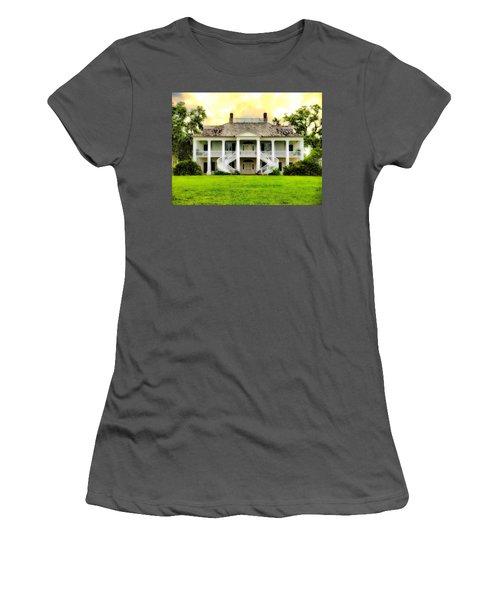 Evergreen Plantation Women's T-Shirt (Athletic Fit)