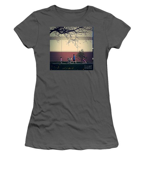 Family Walk To The Park Women's T-Shirt (Athletic Fit)