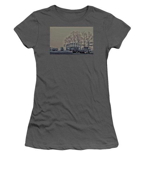 Farmhouse In Morning Fog Women's T-Shirt (Junior Cut) by Sandy Moulder