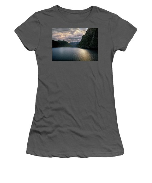 Geiranger Fjord Women's T-Shirt (Athletic Fit)