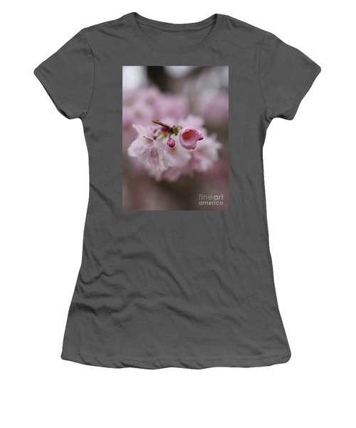 Geisha Women's T-Shirt (Athletic Fit)