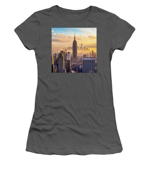 Good Morning New York Women's T-Shirt (Athletic Fit)