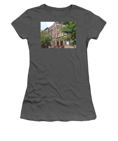 Harlem Brownstones Women's T-Shirt (Athletic Fit)