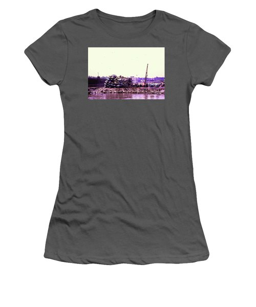Women's T-Shirt (Junior Cut) featuring the photograph Harlem River Junkyard by Cole Thompson