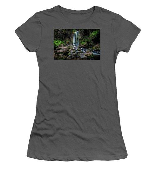 Hopetoun Falls Women's T-Shirt (Athletic Fit)