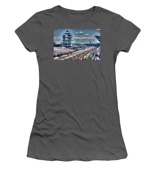 Hulman Suites Women's T-Shirt (Athletic Fit)