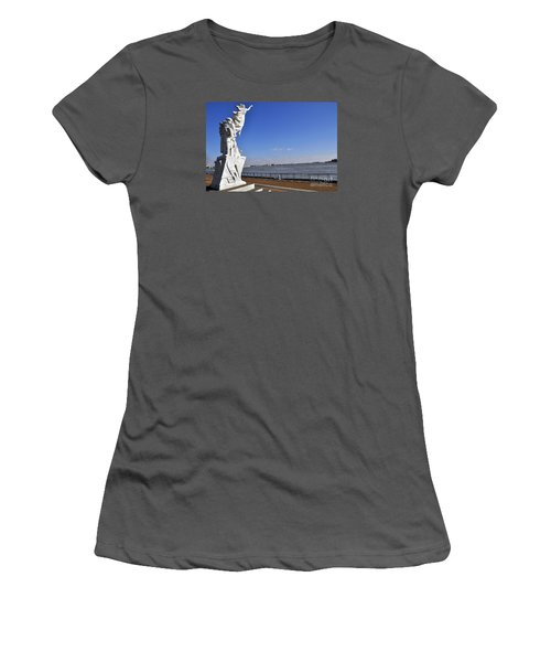 Immigrant Statue Women's T-Shirt (Athletic Fit)