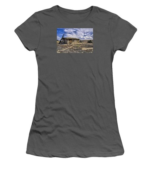 Women's T-Shirt (Junior Cut) featuring the photograph Indian Trading Post Montrose Colorado by James Steele
