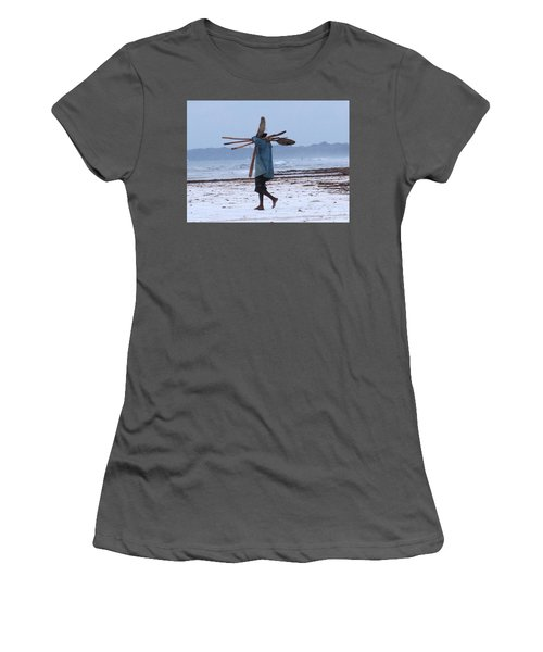 Kenyan Fisherman And Oars Women's T-Shirt (Athletic Fit)