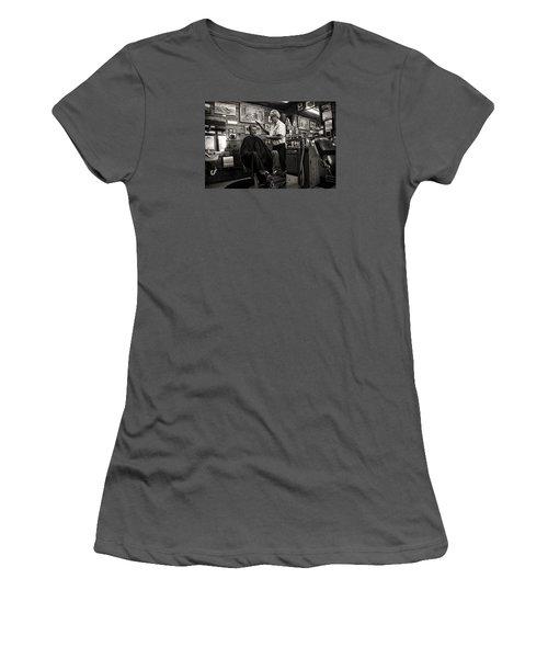 Kernville Barber Shop Women's T-Shirt (Athletic Fit)