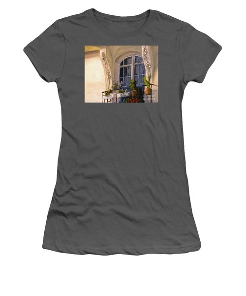 La Fenetre Women's T-Shirt (Athletic Fit)