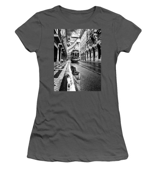 Lisboa Women's T-Shirt (Athletic Fit)