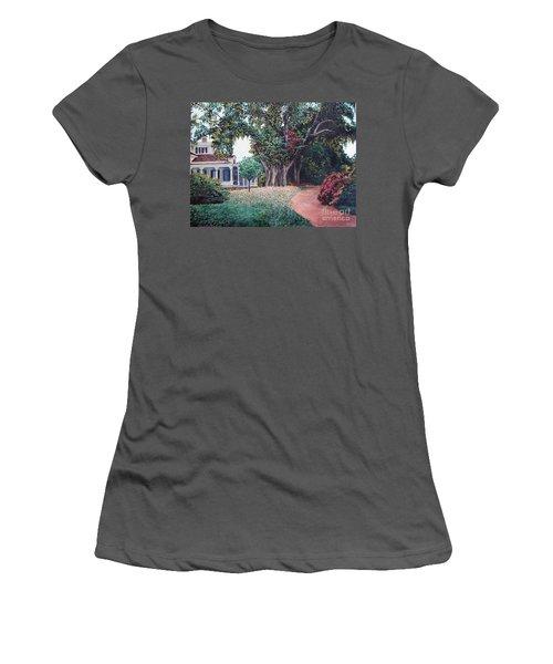 Live Oak Gardens Jefferson Island La Women's T-Shirt (Athletic Fit)
