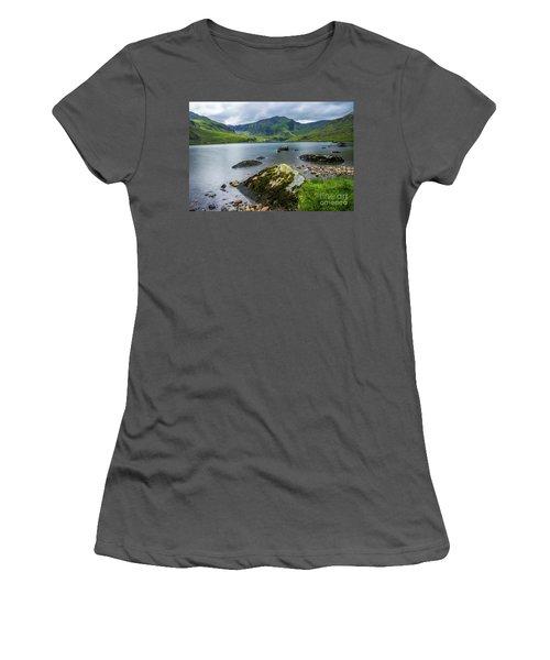 Llyn Ogwen Glyder Fawr Women's T-Shirt (Junior Cut) by Ian Mitchell