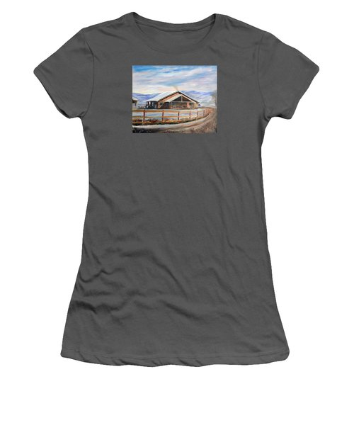 Log Cabin House In Winter Women's T-Shirt (Athletic Fit)
