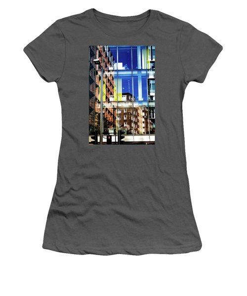 London Southwark Architecture 2 Women's T-Shirt (Athletic Fit)