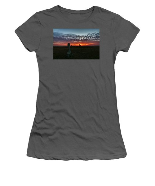 Lonely Sunset Women's T-Shirt (Athletic Fit)
