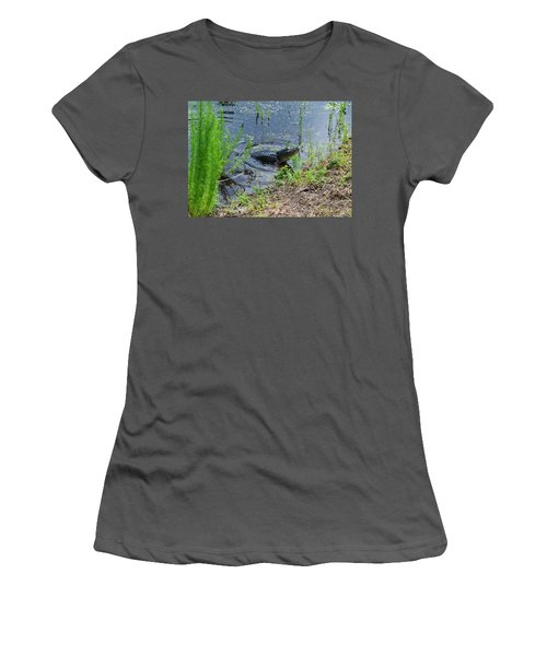 Lunging Bull Gator Women's T-Shirt (Athletic Fit)