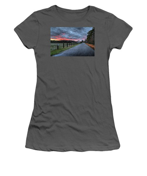 Main Sunset Women's T-Shirt (Athletic Fit)