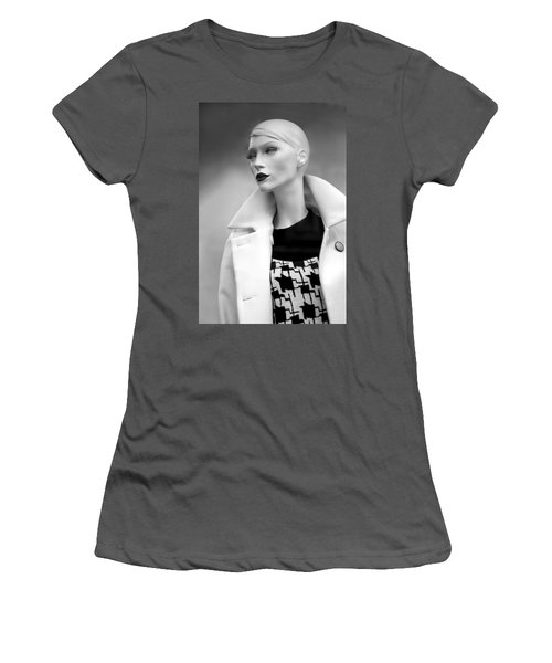 Mannequin 117 Women's T-Shirt (Athletic Fit)