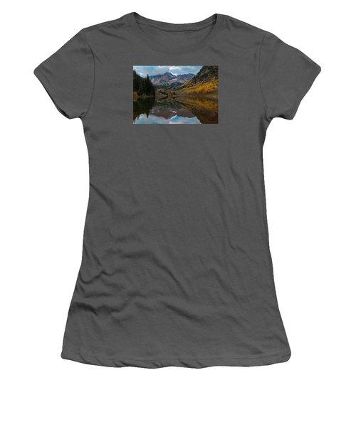 Maroon Bells Women's T-Shirt (Junior Cut) by Gary Lengyel