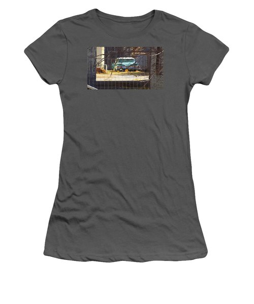 Memories Of Old Blue, A Car In Shantytown.  Women's T-Shirt (Athletic Fit)