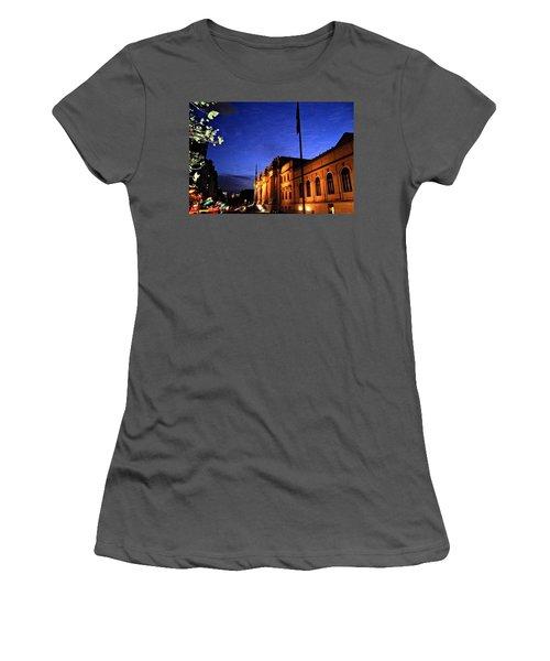 Metropolitan Museum Of Art Nyc Women's T-Shirt (Athletic Fit)