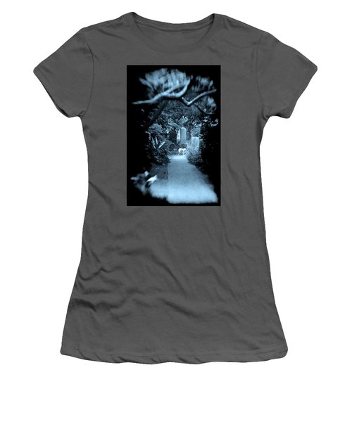 Midnight In The Garden O Women's T-Shirt (Athletic Fit)